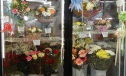 Цветочный отдел в супермаркете