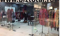 Салон женской одежды в прикассовой зоне