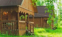 Дом отдыха на полуострове при впадении реки суры в волгу.