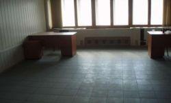Тёплый офис на втором этаже кирпичного здания