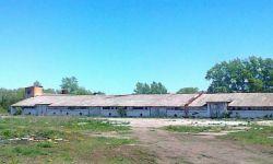 Зернохранилища рядом с федеральной автомагистралью М 4 «Дон»