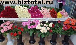 Цветочный магазин у выхода метро