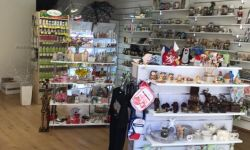 Магазин «Сувениры, косметика, подарки»