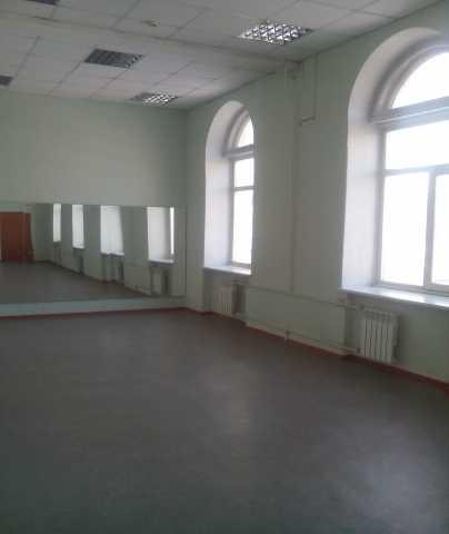 Отдельно стоящее здание в центре города Новокузнецка