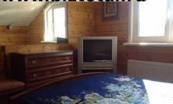 Двух этажный деревянный дом
