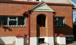 Двухэтажный дом с участком