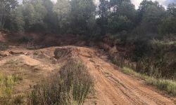 Месторождение песка и глины (участок земель промышленности)