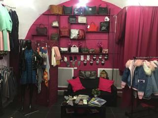 Магазин стильной одежды в центре города