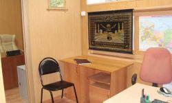 Офис с мебелью на 1 этаже жилого дома
