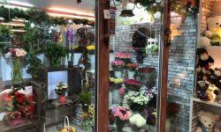 Салон Цветов  в прикассовой зоне магазина