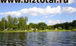 Туристическая база отдыха на берегу озера