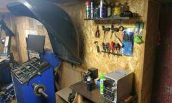 Шиномонтаж (оборудованный и готов к работе)