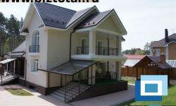 Красивый коттедж в одном из лучших коттеджных поселков в пригороде Новосибирска.