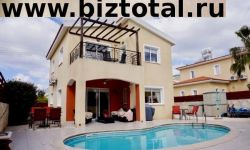 2-спальная вилла с отдельным жильем на каждом уровне в районе Мафоса