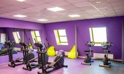 Отличный фитнес-клуб в густонаселенном спальном районе