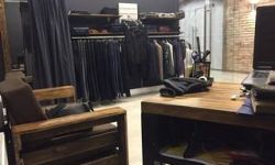 Магазин мужской брендовой одежды в центе города