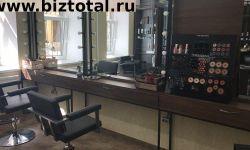 Парикмахерское кресло для работы со своими клиентами