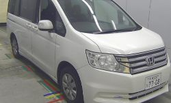 Минивэн рестайлинг 7 мест Honda STEP WAGON кузов RK1 G Comfort Selection