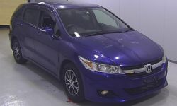 Минивэн 7 мест Honda Stream кузов RN6 модификация X HDD Navi Package