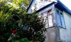 Продается дача, недалеко от женского монастыря. Электричество подключено, газ баллонный. Тихое, спокойное, экологически чистое место.