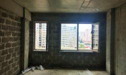 Продаю одна комнатную квартиру ЖК Майами. Площадь квартиры составляет 28.8 кв.м, квартира светлая два окна, расположена на 2-ом этаже из 3-х. Вид с квартиры на реку. Дом полностью монолитный, центральные коммуникации (газ,свет,вода). Рядом с домом располо