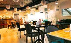 Кафе на фуд-корте в ЦАО