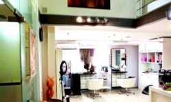 Салон красоты с современным дизайнерским интерьером