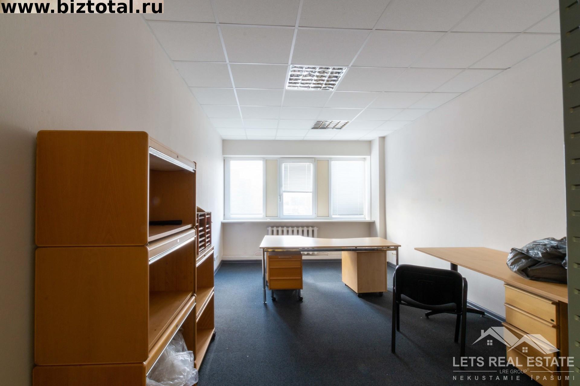 21.3 кв.м. офисные помещение, Ганибу дамбис 36, Саркандаугава, Рига, Латвия.
