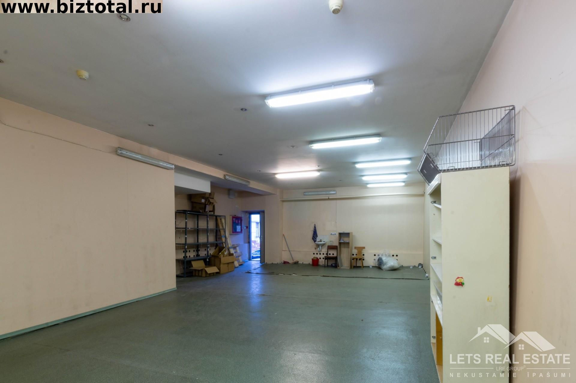 128.6 кв.м., складские помещение, Ганибу дамбис 36, Саркандаугава, Рига, Латвия.
