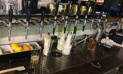 Кафе/бар в месте оживленного трафика