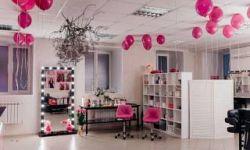 Студия красоты со всей мебелью и всем материалом