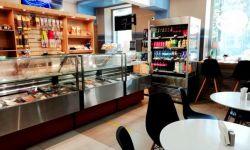 Кафе кулинария по соседству с офисными центрами