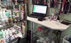 Мини бутик по продаже косметики для ногтей, шампуней, кремов