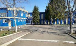 Гостинично - Развлекательный комплекс Славянка расположен в городе Новоалександровске. К услугам гостей 15 номеров различной категории (эконом, стандарт и люкс класса). 1, 2, 3 местные номера оснащены всем необходимым. В комплекс входит гостиница, ресрора