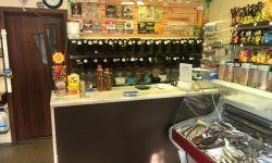 Магазин разливного пива. Работает с октября 2017 года. Отработанный ассортимент, постоянные покупатели. Магазин находится на проезжей части. Оборудована холодильная камера. В помещение стоит кондиционер, установлено 28 кранов, пивные холодильники. Есть во
